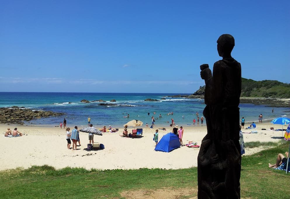 Shelly Beach lagoon - safe swimming, snorkelling watched over by 'Harry'.