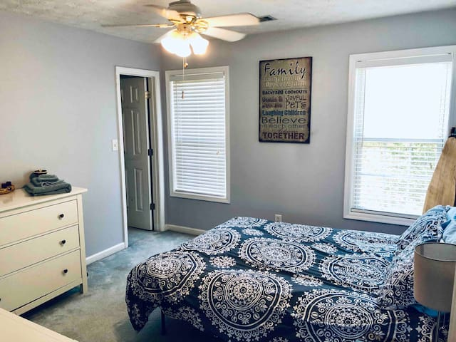One bedroom near mall of Georgia and Gwinnett tech