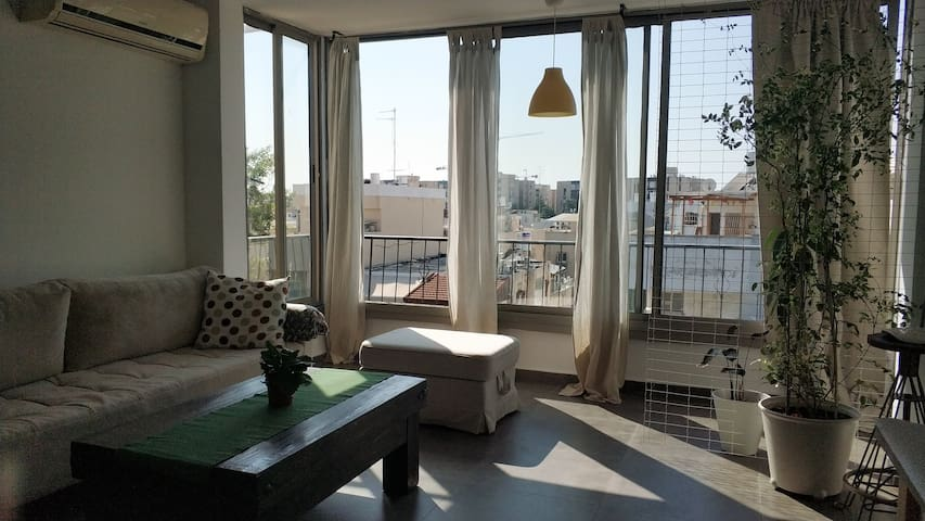Amazing spacious 2rooms apartment with a city view