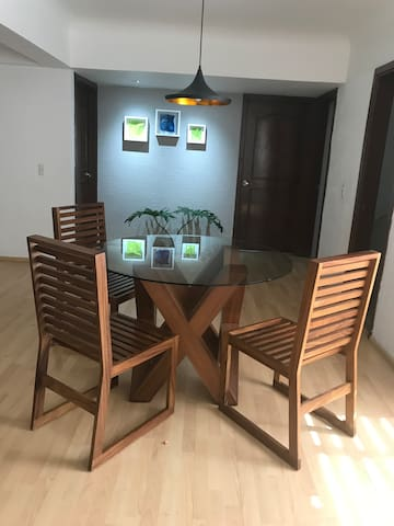 Cosy Apartment one bedroom close by ICB