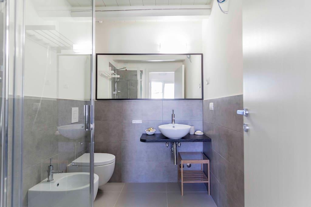 Il bagno interno delle camere.