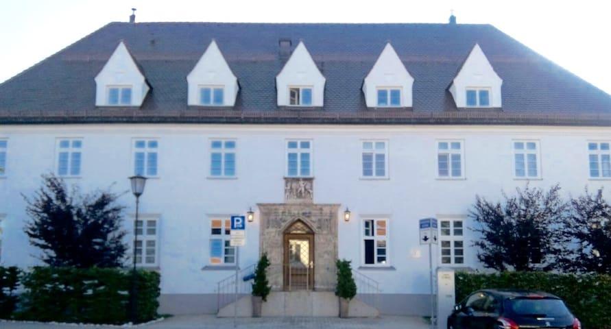 Hochwertige Wohnung im alten Postgebäude Tegernsee - Tegernsee - Byt