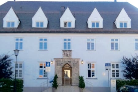 Hochwertige Wohnung im alten Postgebäude Tegernsee - Tegernsee - Apartment
