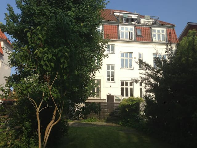 Cosy appartment with garden  - Hellerup - Daire