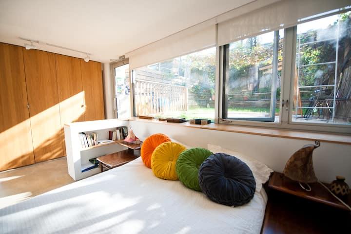 HUGE Sunny Duplex Loft with Garden
