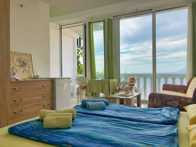❤DREAMSEA Apt Nº1 w/ Balcony, Garden & 5m to SEA❤