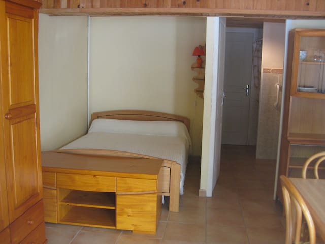 Rent a beautiful furnished studio - Sévignacq-Meyracq - Haus