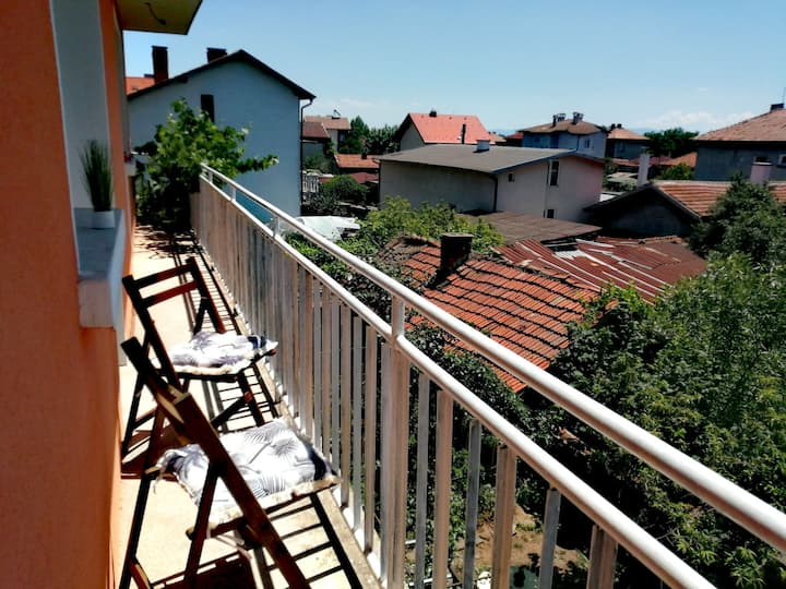 Twin room with garden, 9km from Sofia City