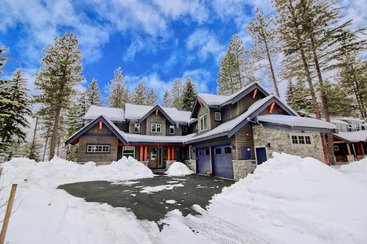 Heart of the Hill-Must See New Suncadia Estate! Year Round Specials | On the Golf Course!