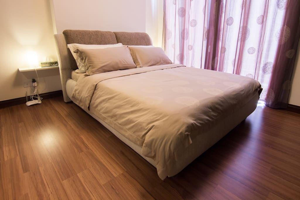 extremely comfort bed with superior quality of bed sheet! is worth trying!