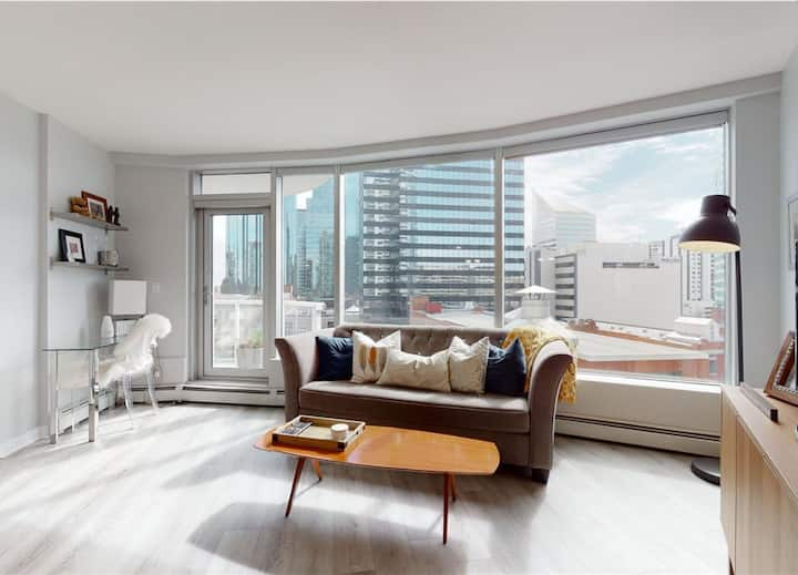 Modern Downtown condo in ICE District