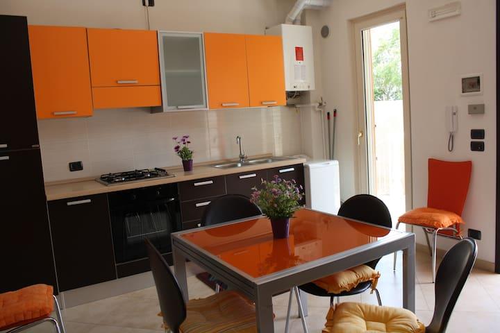 Delizioso appartamento fronte mare  - Puglia, IT