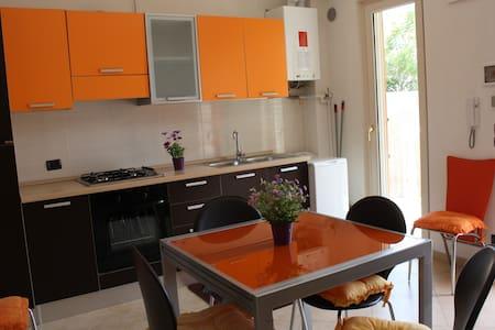 Delizioso appartamento fronte mare  - Puglia, IT - Byt