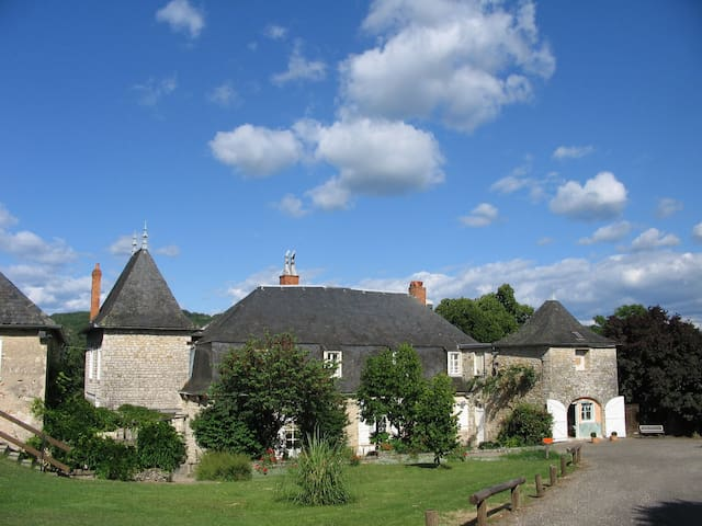 Bed and Breakfast, Chateau 1 - Saint-Denis-lès-Martel - Penzion (B&B)