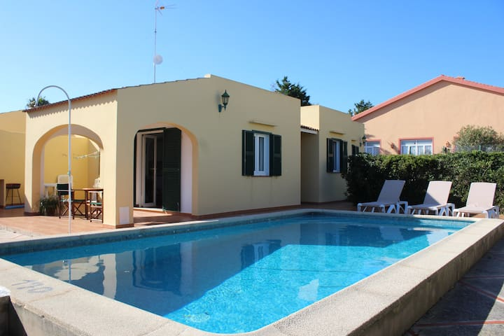 NICE VILLA WITH POOL IN MENORCA