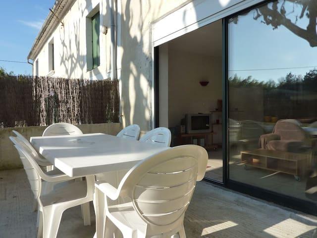 Apartment in Provençal mas - Noves - Huis