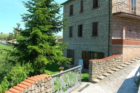 Tipico Borgo Medioevale collinare - Roccastrada - Hus