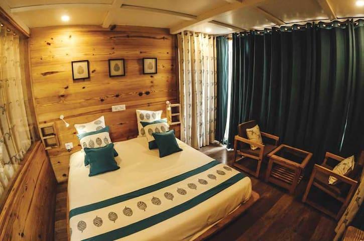Deluxe Cottage - Dehradun - Villa