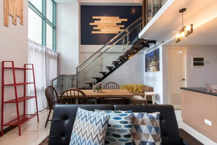 Industrial Loft w/ 50 mbps net at Eastwood City