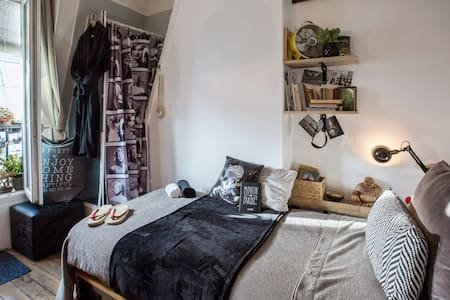 TINYROOM@paris - Paris - Bed & Breakfast