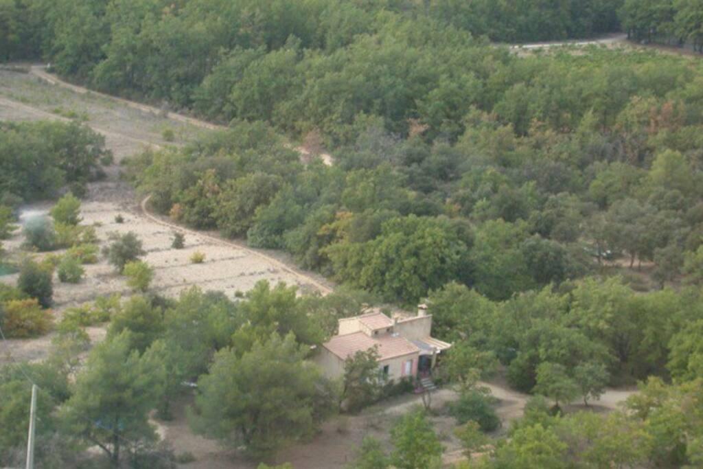 maison dans un bois du sud luberon villas for rent in cucuron provence alpes c te d 39 azur france. Black Bedroom Furniture Sets. Home Design Ideas