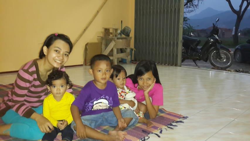 RUKO NYAMAN - Bandung - House