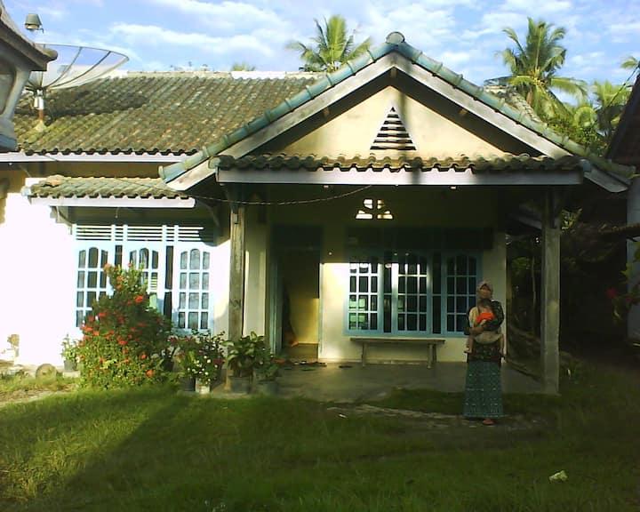 Rumahku Di Desa