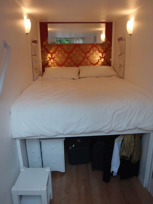 Step and handrail to help you up into your cosy bed