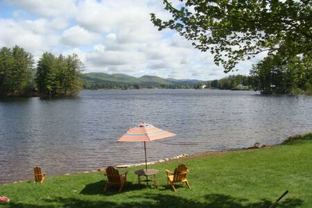 LAKEFRONT VACATION RENTAL WELLS NY - House