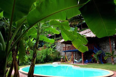 BANANA&ROSE Homestay , Ha Long Bay - Hạ Long - Rumah