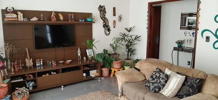 Casa(quarto grande) em Ribeirão Preto, com piscina