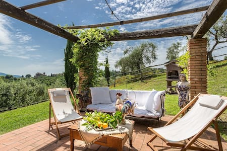 Villa LORY with Views and Pool on the Lucca Hills - Gragnano