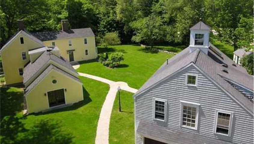 Charming Arundel Farm in Kennebunkport, Maine