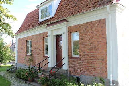 Villa in idyllic small town 50 min from Stockholm