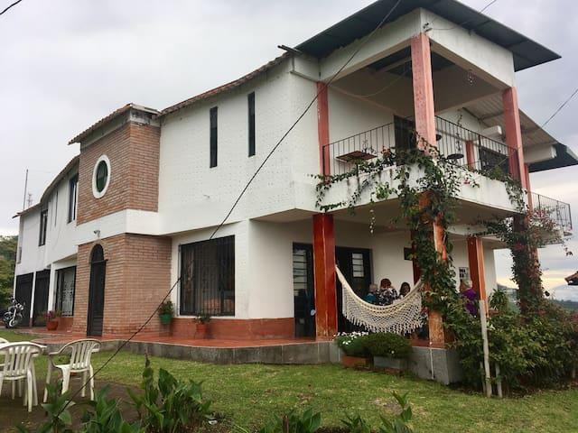 Casa campestre a 5mins de Manizales - Manizales - House