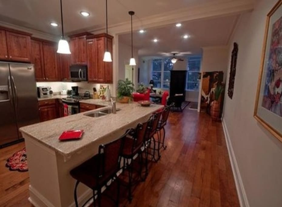 Luxury Condo Bay Street 30 Night Min Required Apartments For Rent In Savannah Georgia United