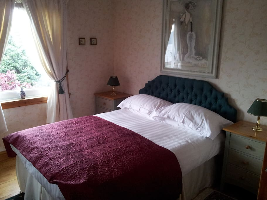 one double room over looking loch fyne