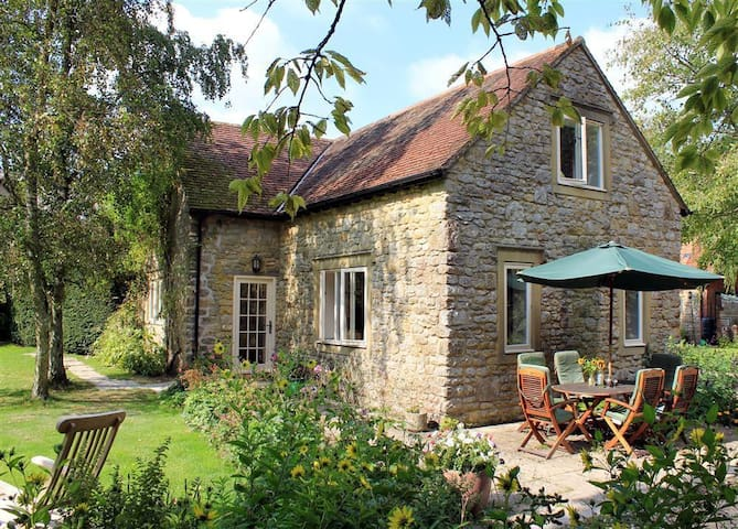 Droop Farm Cottage, Dorset H311