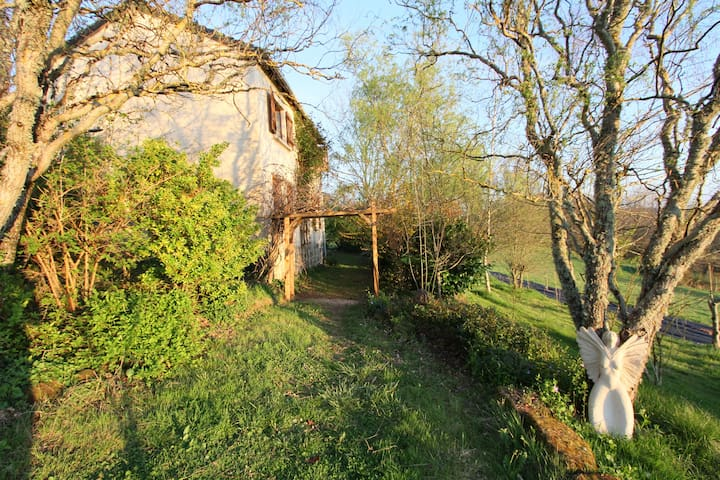 Charming cottage in the countryside - Louignac - Dům