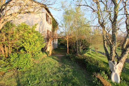 Charming cottage in the countryside - Louignac - Talo
