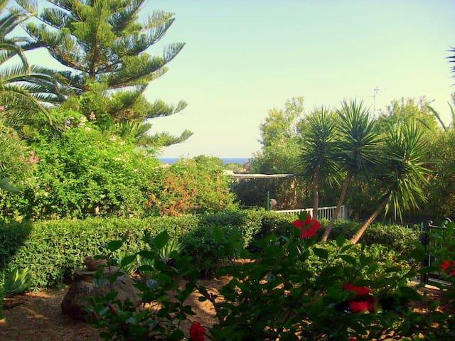 Avola: sea view studio - Gallina - Appartement
