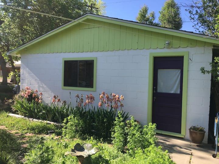 Old Town Private Garden Studio