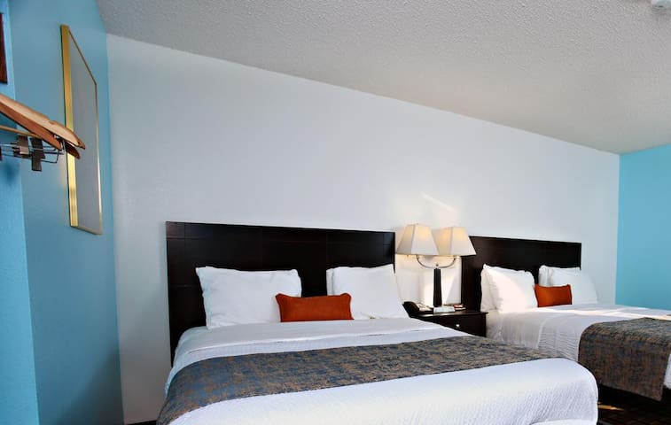 Feel the class at Sky-Palace Inn & Suites- 2 Queen Bed Nonsmoking