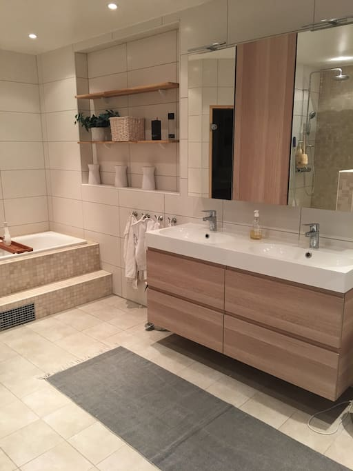 Own bathroom with, toilet, sauna and shower