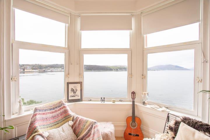 Stylish Skandi Style Flat with panoramic seaviews