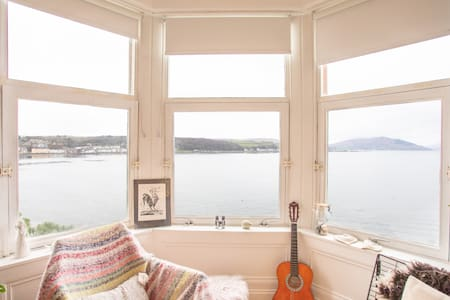 Stylish Skandi Style Flat with panoramic seaviews