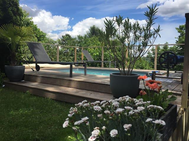 Petite maison au fond du jardin - Collonges-au-Mont-d'Or - 一軒家