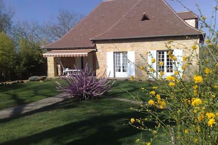 Chambre familiale,maison caractère - Saint-Avit-Sénieur