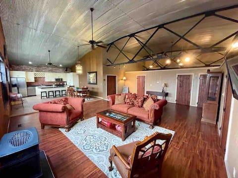 Lovely 3 bedroom loft apartment!