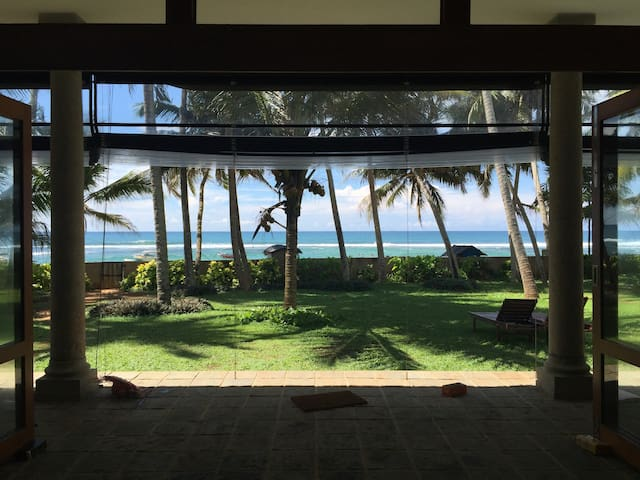 Wigi's Villa - Lovely luxury beach front home - Hikkaduwa - Villa